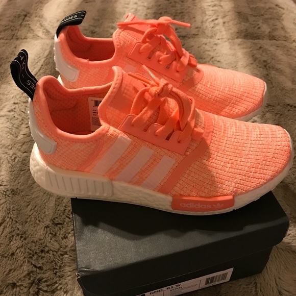 5368e7213 NMD R1 Woman size 6.5. NWT. adidas